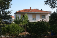 2566 - A-2566-a - croatia house on beach