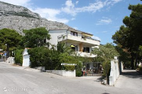 6909 - A-6909-a - apartments makarska near sea