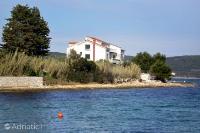 686 - A-686-a - croatia house on beach