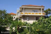 4220 - A-4220-a - croatia house on beach