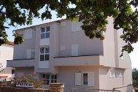 4096 - A-4096-a - Houses Trstenik