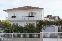 5833 - A-5833-a - Apartments Biograd na Moru