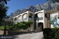 6792 - A-6792-a - apartments makarska near sea