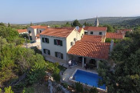 11156 - K-11156 - island brac house with pool