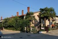 2551 - A-2551-a - croatia house on beach
