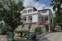 6563 - A-6563-a - Apartments Starigrad