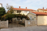 7352 - A-7352-a - croatia house on beach