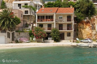 8813 - A-8813-a - Houses Croatia