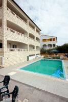 4637 - A-4637-a - island brac house with pool