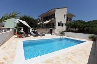 4290 - K-4290 - island brac house with pool