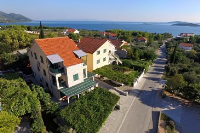 640 - A-640-a - croatia house on beach