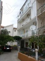 Holiday home 139699 - code 116805 - apartments makarska near sea