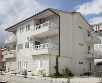 Holiday home 107819 - code 7896 - apartments makarska near sea