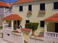 Holiday home 103192 - code 3272 - Apartments Bol