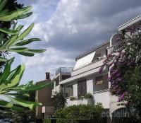 Holiday home 103109 - code 5380 - apartments makarska near sea