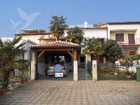 Holiday home 141694 - code 121390 - Apartments Porec