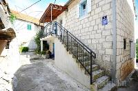 Holiday home 175899 - code 193236 - Apartments Okrug Donji