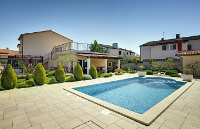 Holiday home 174762 - code 191067 - island brac house with pool