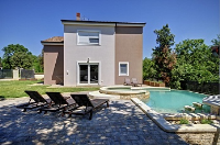 Holiday home 173244 - code 187131 - island brac house with pool
