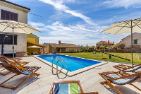 Holiday home 157438 - code 152262 - island brac house with pool