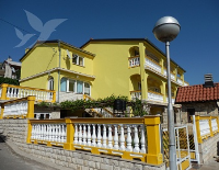 Holiday home 109279 - code 9366 - Apartments Vrh