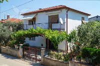 Holiday home 163239 - code 164315 - Apartments Vrh