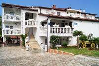 Holiday home 155580 - code 151066 - Apartments Porec