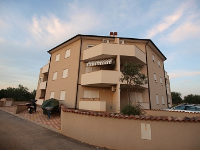 Holiday home 153055 - code 142030 - Apartments Peroj