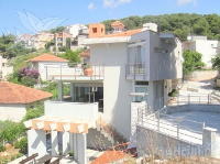 Holiday home 158861 - code 154966 - Apartments Okrug Gornji