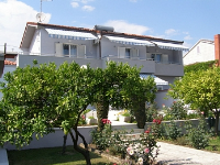 Holiday home 152292 - code 140389 - apartments trogir