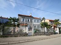 Holiday home 175719 - code 192861 - Apartments Funtana