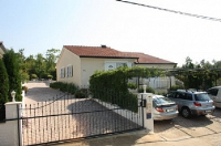 Holiday home 102507 - code 2584 - apartments in croatia