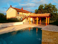 Holiday home 157794 - code 152987 - Apartments Valbandon