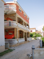 Holiday home 162988 - code 163764 - Apartments Vir