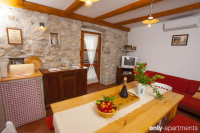 HOLIDAY HOME OLIVE - HOLIDAY HOME OLIVE - apartments makarska near sea