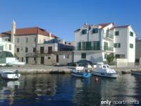SARA - SARA - Apartments Pirovac