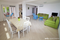 Precious 2-room appartment with terrace and sea view - Precious 2-room appartment with terrace and sea view - Celina