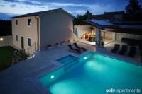 HOUSE FABY - HOUSE FABY - ile brac maison avec piscine