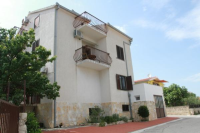 Apartments Sanader - A2+2 - Apartments Okrug Gornji