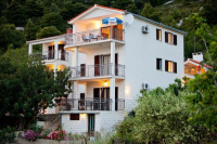 Apartments Ana - A2+1 - Rooms Radici
