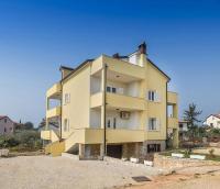 Apartments Goltes - A2+1 - Umag