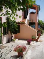 Apartments Franica - A6+2 - Zminj