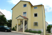 Apartments Petak & Pirin - A2+2 - Houses Dramalj