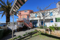 Apartments Batela - A6+2 - Apartments Petrcane
