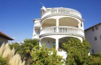 Apartments Kristina - A4 - Apartments Pirovac