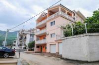 Apartments Jurišić - A2+2 - Podstrana