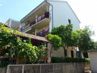 Apartments Ave - A6+2 - Apartments Podstrana