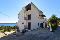 Apartments Meri Caratan - A4+1 - Rooms Vrbnik