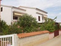 Apartmani House Nivess - A4+2 - Vir