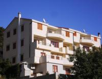 Apartmani Belić Nikola - A2+2 - Jelsa